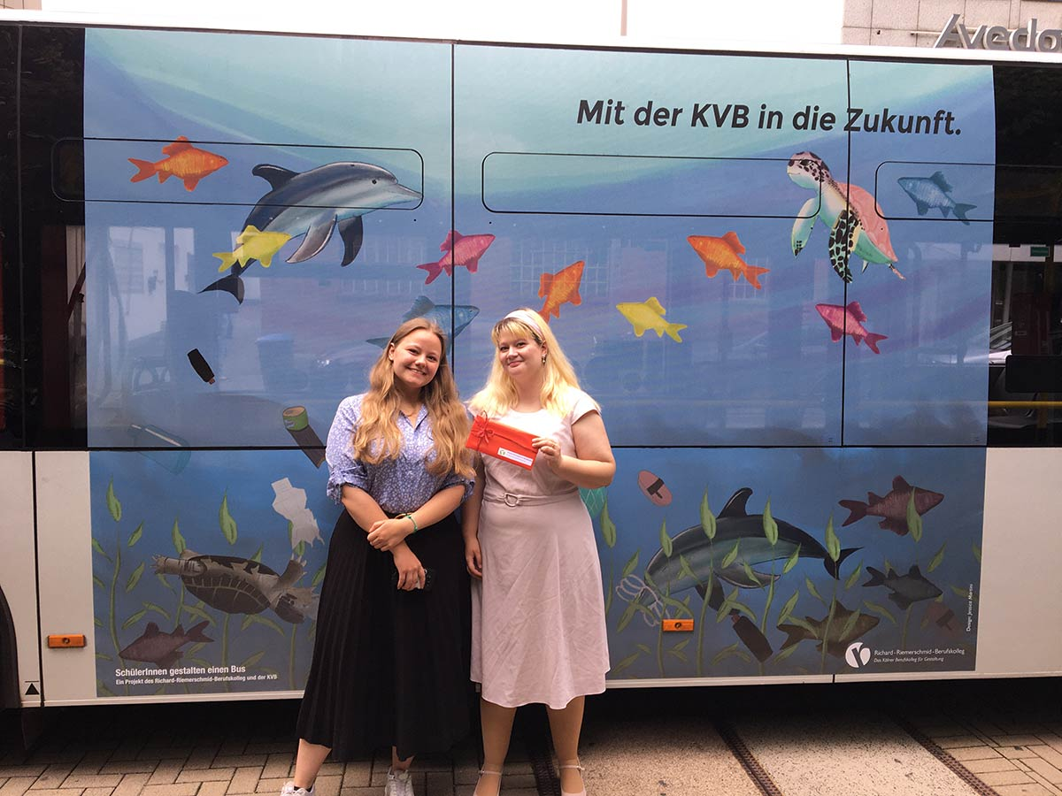 GTAs gestalten Klima-Bus: Nele Blumenthal (links) und Jessica Martini (rechts)